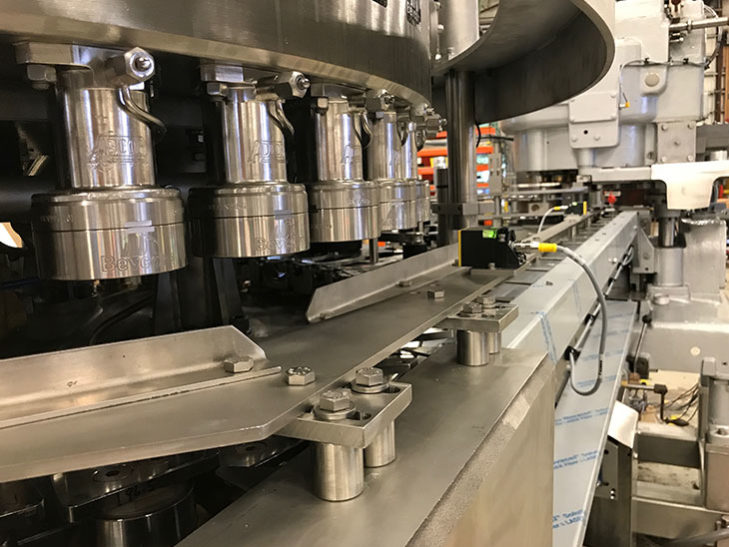 Production Ready Crown 40 Valve Can Filler with Angelus 61h Seamer full