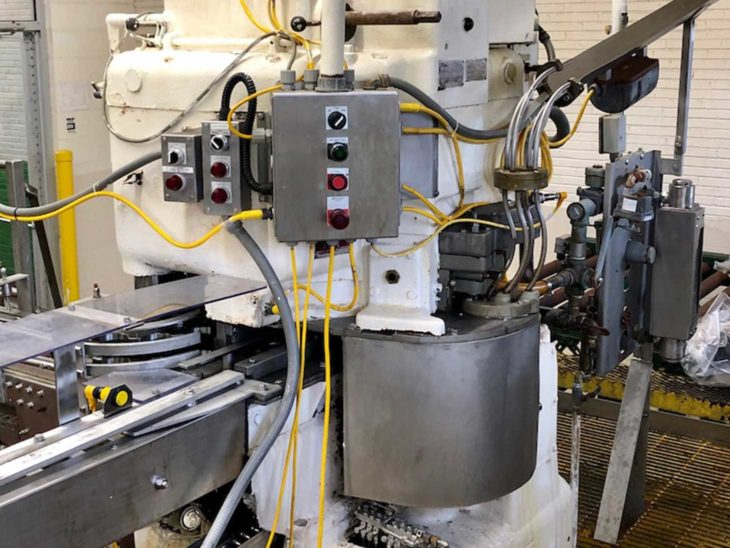 Crown 72 Valve Can Filler with Angelus 120L Seamer full